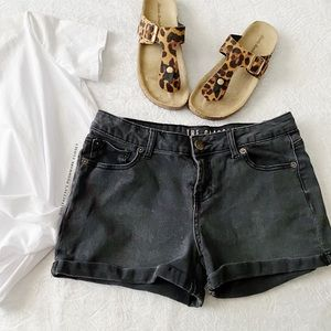 Black Faded The Classic Mid Rise Rolled Hem Shorts